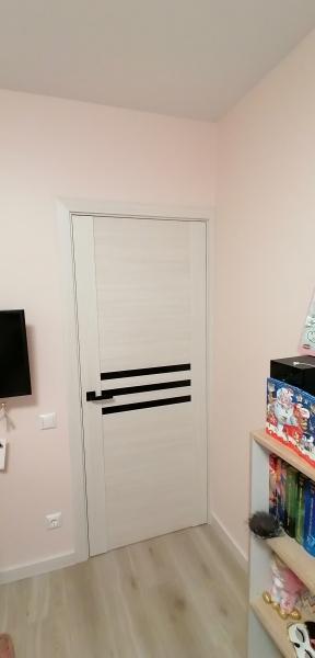 durys C-04 spalva baltas lapuotis